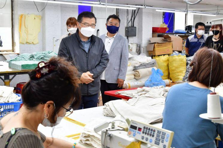 중랑구, 지역 봉제산업 활성화로  패션봉제 선도구 시동