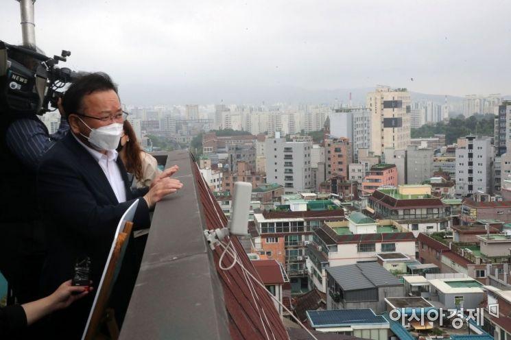 [포토] 김부겸 총리, 쌍문역 공공주택 후보지 방문