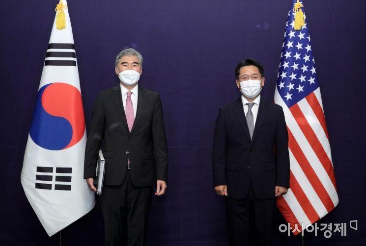 [포토] 기념 촬영하는 한미 북핵 수석대표