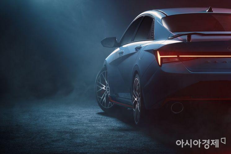 현대자동차, 고성능 세단 '아반떼 N' 디자인 티저