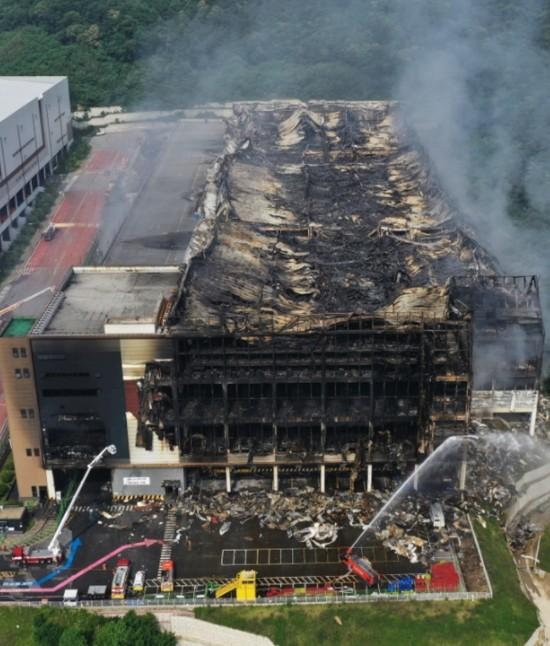 [초동시각]붕괴·화재 연이은 人災…여전히 뒷북만 치는 정부