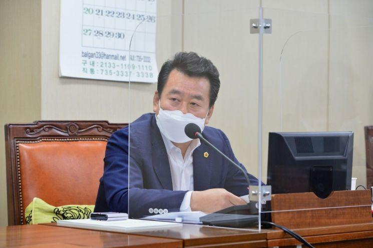 """정지권 의원 """"지하철 연결통로 내 승강편의시설 시민 불편만 가중"""""""
