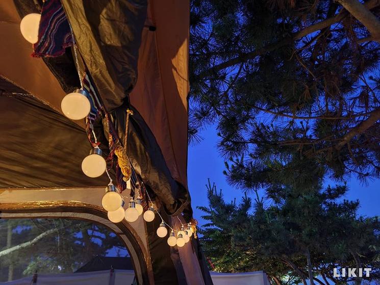 캠핑에 따뜻한 감성 더하는 조명. ⓒ인스타그램 @campingtherapy_