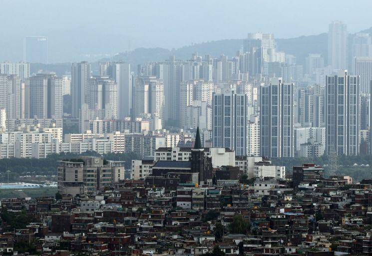 지난 8일 서울 남산에서 바라본 서울 시내 아파트 단지 모습