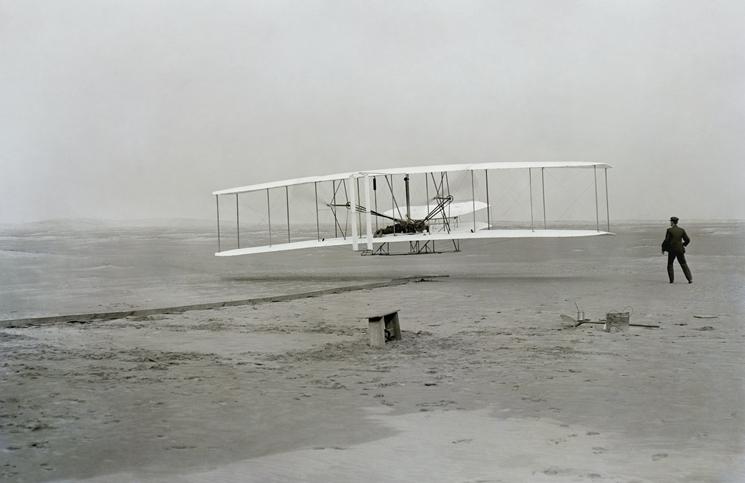 라이트 형제가 발명한 세계 최초의 동력 비행기. ⓒUnsplash