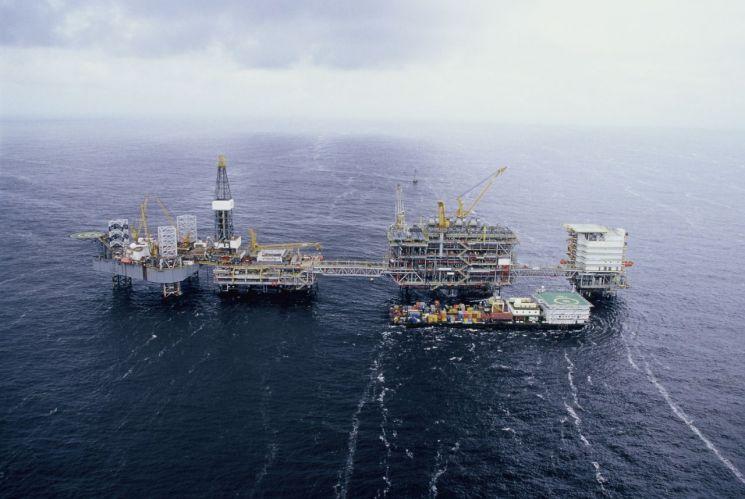 대우조선해양이 건조한 고정식 원유생산설비. 사진제공=대우조선해양