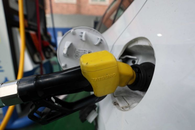 주유소 휘발유 가격 12주 연속 상승…전국 평균 1637원
