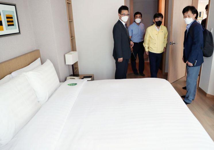 김정배 제2차관 코로나19 호텔 방역 현장점검