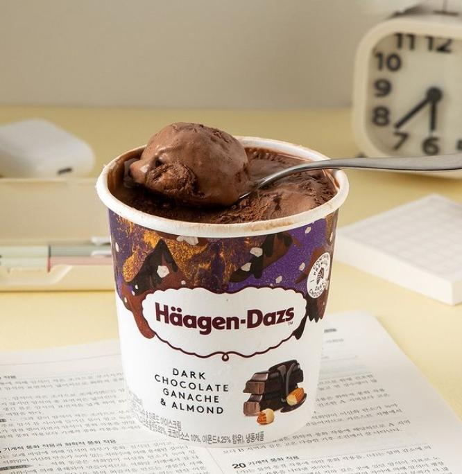 하겐다즈 다크 초콜릿 맛./사진=하겐다즈 한국 인스타그램