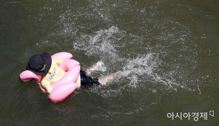 [포토]'여름엔 역시 물놀이'