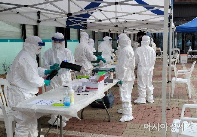 경남 129명 확진 … 외국인 노동자 집단감염 등 주말 최다(종합)