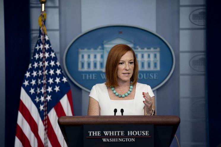 젠 사키 백악관 대변인은 26일 유럽, 중국 등 외국인의 미국 입국 금지 조치가 당분간 지속될 것이라고 말했다. [이미지출처=EPA연합뉴스]
