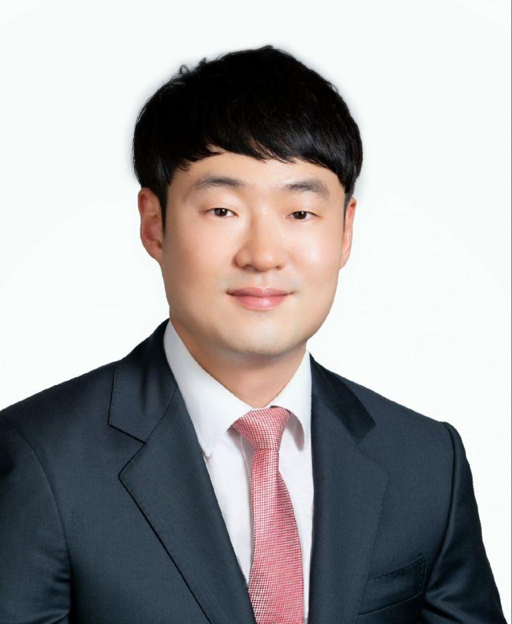 성효경 경상대학교 나노신소재융합공학과 교수.