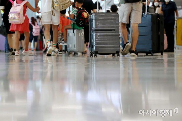 코로나 4차 대유행 속 서울 떠나는 시민들. /문호남 기자 munonam@