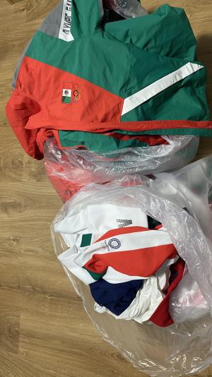 멕시코 소프트볼대표팀, 선수촌 쓰레기통에 유니폼 버려