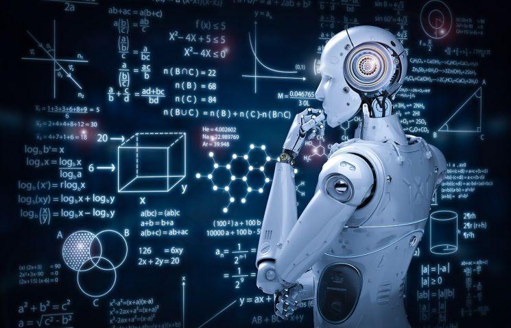 코로나19 장기화로 집콕 기간이 길어지면서 기술로 일상에 편리함을 더하는 인공지능(AI) 기반 서비스들이 눈길을 끌고 있다. 사진 = gettyimagebank