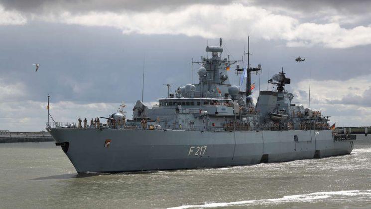 남중국해로 파견된 독일 호위함 바이에른호의 출항모습[이미지출처=독일 국방부 홈페이지]