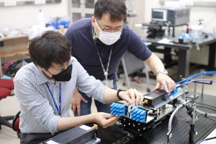 카이스트, 세계 최초 27GHz 광대역 빔포밍 기술 개발