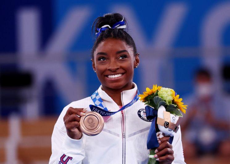 3일 여자 기계체조 평균대 결선에서 동메달을 목에 건 시몬 바일스. [이미지출처=연합뉴스]