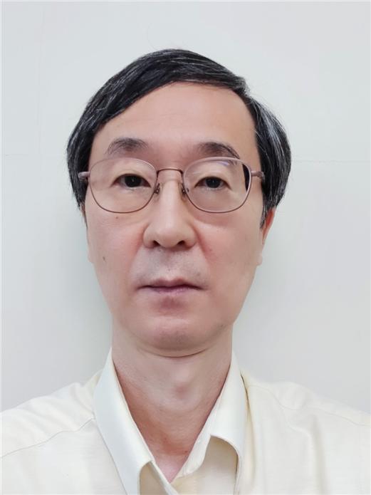 영화 속 첩보용 '풍뎅이' 로봇, 韓 과학자가 만들었다