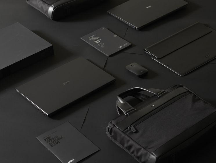 'LG 그램(gram) 블랙라벨' 풀패키지.