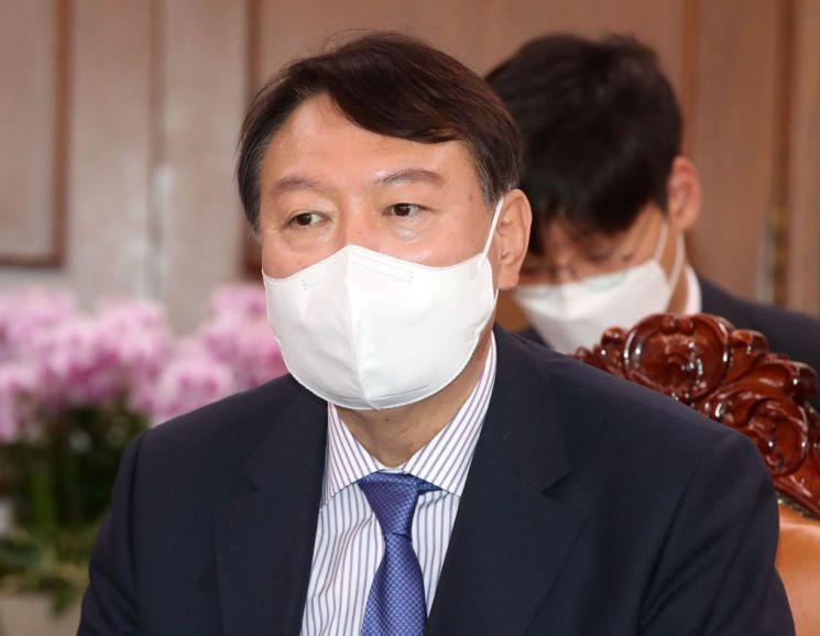 국민의힘 대선 주자로 나선 윤석열 전 검찰총장. [이미지출처=연합뉴스]
