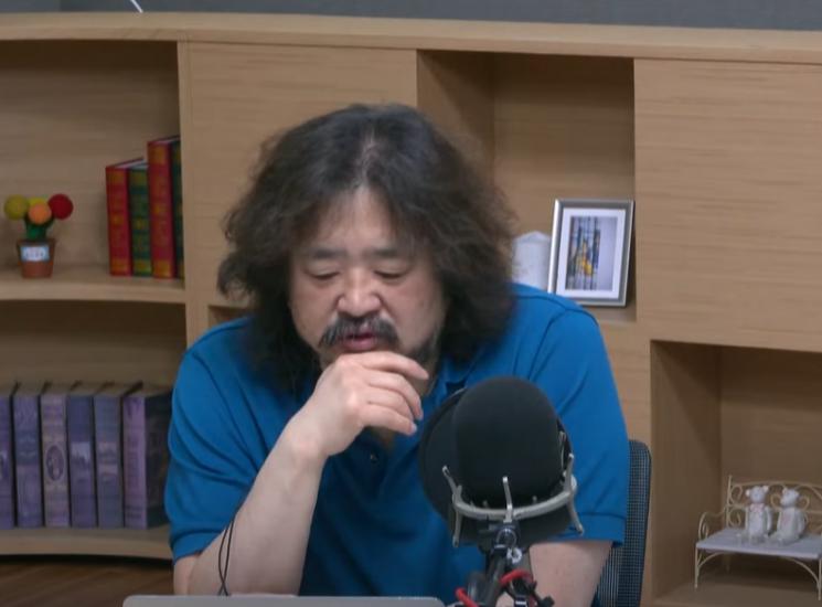 방송인 김어준씨. 사진=TBS 라디오 '김어준의 뉴스공장' 유튜브 화면 캡처.