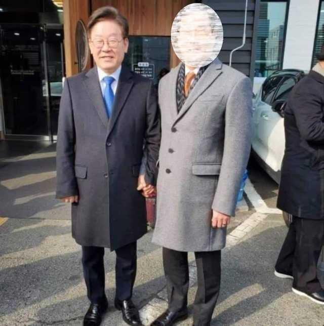 이재명 경기지사와 문흥식 전 5·18 구속자부상자회장./사진=이낙연캠프 정운현 공보단장 페이스북