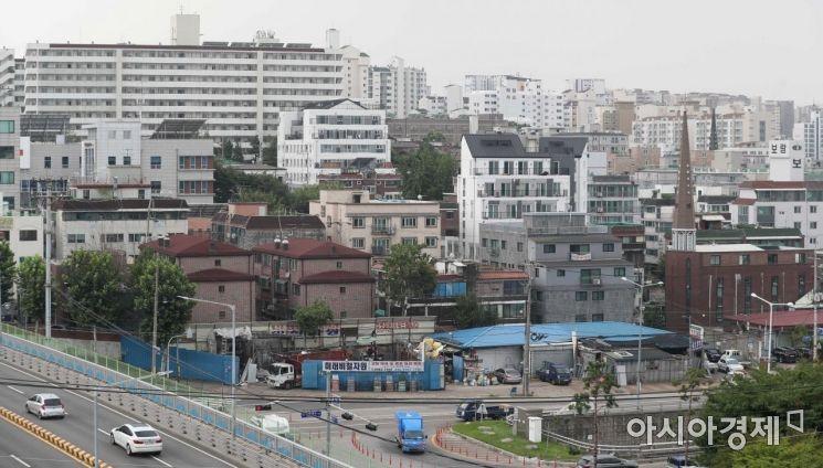 서울 양천구 한 건물에서 바라본 빌라촌 모습. /문호남 기자 munonam@