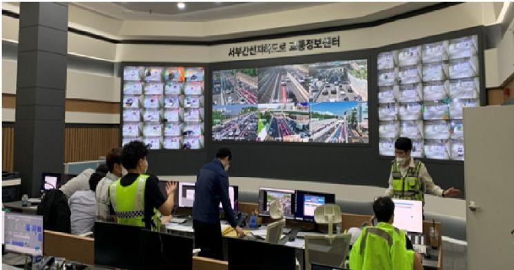 인공지능 영상분석 전문 업체 핀텔 (대표 김동기)은 최근 개통된 서부간선지하도로에 고해상도 CCTV 영상을 이용한 도로 돌발상황 검지 시스템(이하 돌발검지시스템)을 설치했다고 6일 밝혔다.  사진제공 = 핀텔