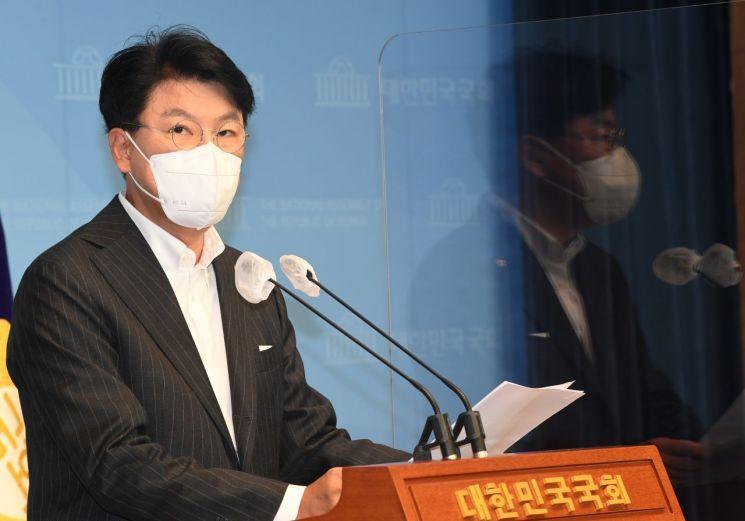 윤석열 국민의힘 대선 예비후보 캠프에서 상황실장을 맡은 장제원 의원. [이미지출처=연합뉴스]