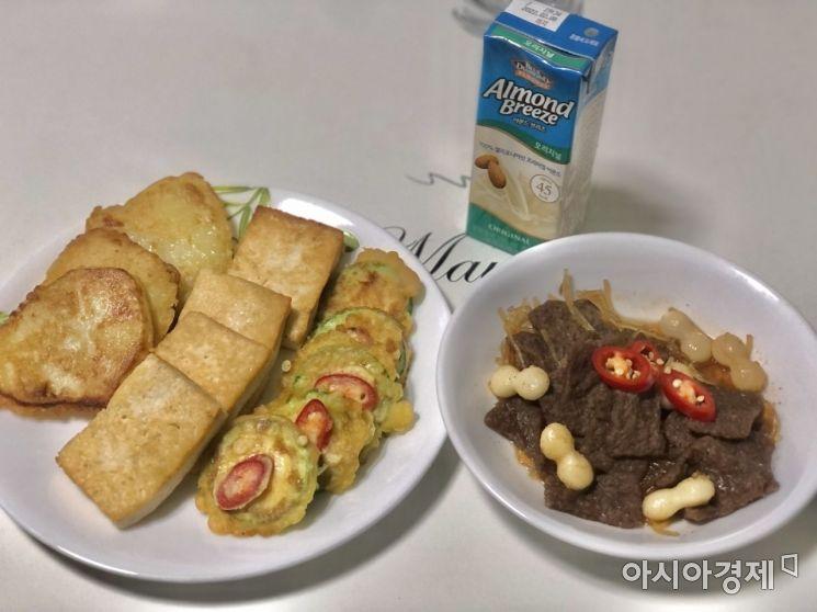 추석을 맞아 C씨가 간단히 차린 식사. 튀김옷을 입혀 구운 모듬전(좌)과 비건 미트로 만든 불고기(우)./사진=박현주 기자 phj0325@