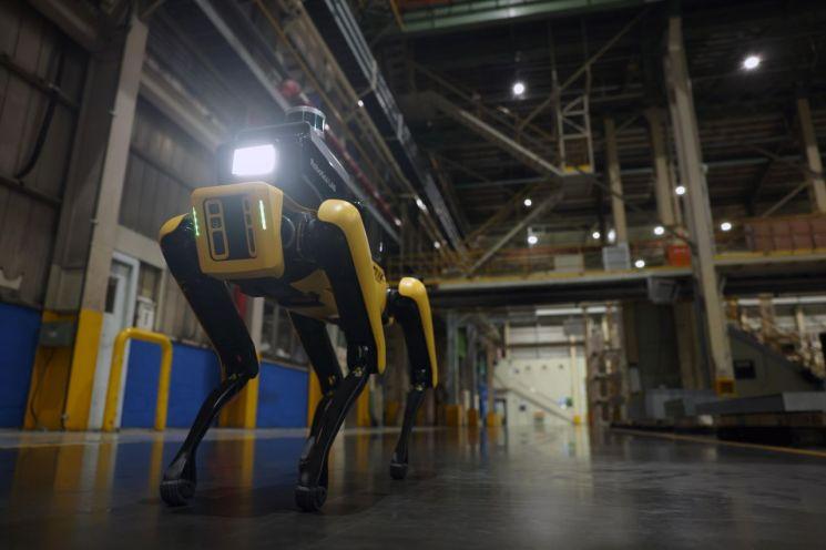 현대차그룹-보스턴다이내믹스 '공장 안전서비스 로봇' 시범운영 개시