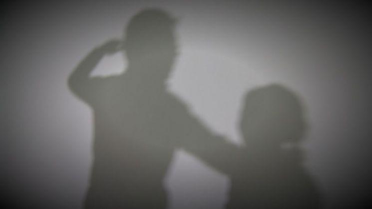 가정폭력과 함께 이혼율도 증가하는 것으로 드러났다. 사진은 기사 내 특정 표현과 관계없음. [이미지출처=연합뉴스]