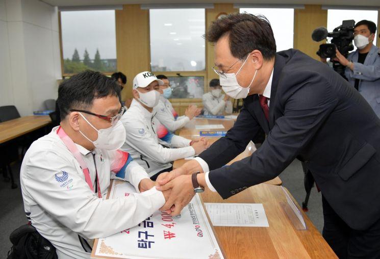 하병필 도지사 권한대행, 경남 위상 높인 도쿄 패럴림픽 선수단 격려