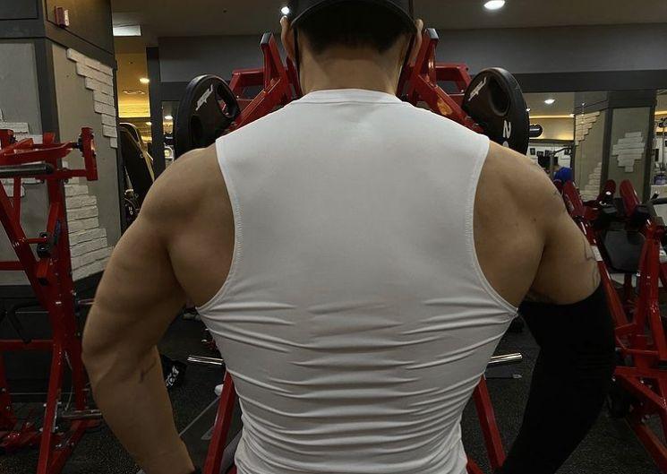 배우 남궁민이 단기간 근육을 늘린 것을 두고 일부 누리꾼은 약물 활용 의혹을 제기했다. [사진=인스타그램 캡처]