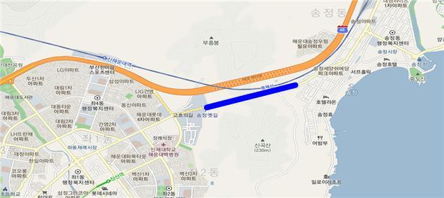 통제되는 부산 송정터널 구간.