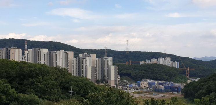 아파트와 도로, 공원 등 기반시설 공사가 한창인 경기 성남시 판교 대장지구 전경. (사진=류태민 기자)
