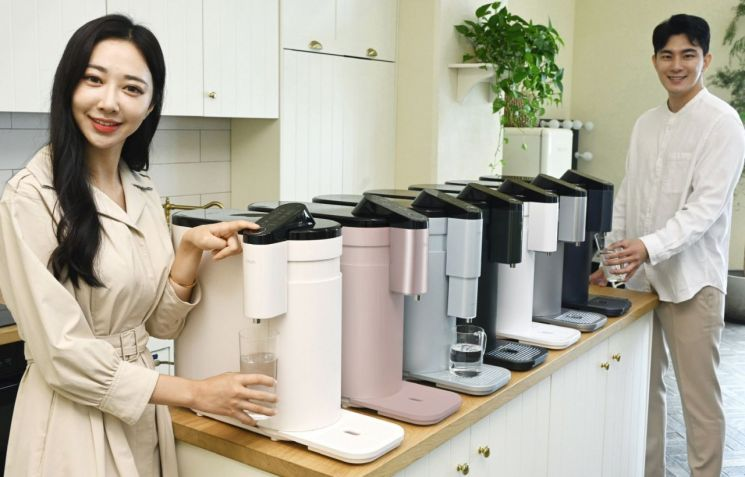 LG전자, 국내 최초 '고온살균' 상하좌우 정수기 출시