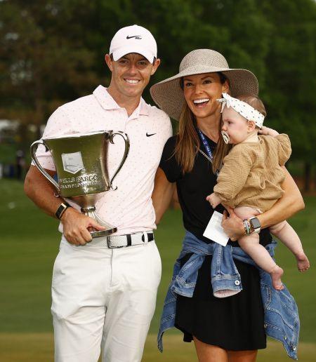 로리 매킬로이는 2017년 PGA투어 직원 에리카 스톨과 결혼해 지난해 첫 딸을 얻었다.