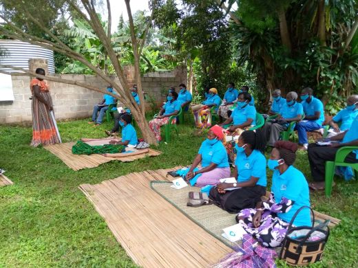 새마을금고가 우간다 마갸마을에서 교육을 실시하고 있다. 사진=새마을금고중앙회