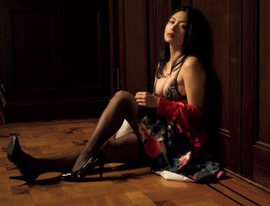 배우활동 겸하고 있는 그라비아 모델