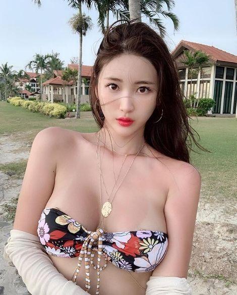 후방) 뮤지컬배우 중 가장 섹시한 처자.jpg