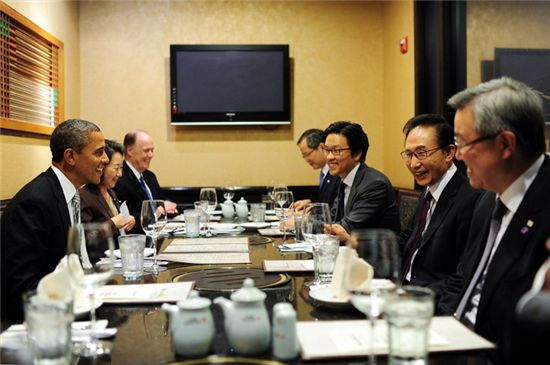 박선영 남편 김일범, SK 임원으로…세 대통령 통역한 인재