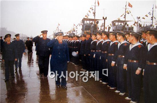 <h1>최첨단 해상무기<9>중국 최초의 항공모함 랴오닝호</h1>