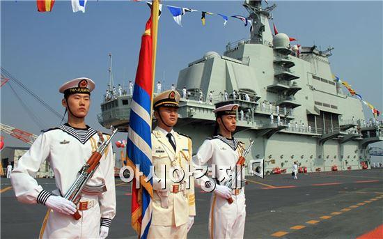 <h1>최첨단 해상무기&lt;9&gt;중국 최초의 항공모함 랴오닝호</h1>