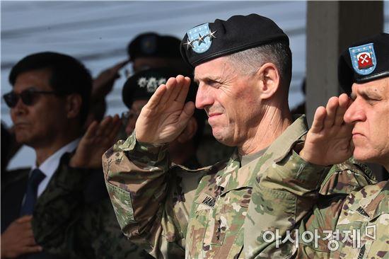 토머스 밴달 주한 미 8군사령관