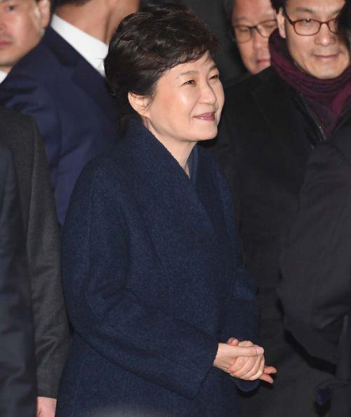 [정치, 그날엔…] 당 나가면 ○고생? 미래연합 박근혜 '6개월 회군'