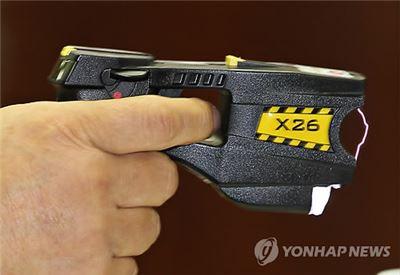 경찰 보유 테이저건 10개 중 4개는 10년 초과 '노후 제품'