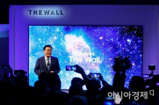 '빌라 한채값' 삼성전자 TV '더 월' 슈퍼리치 가정용 공급시작